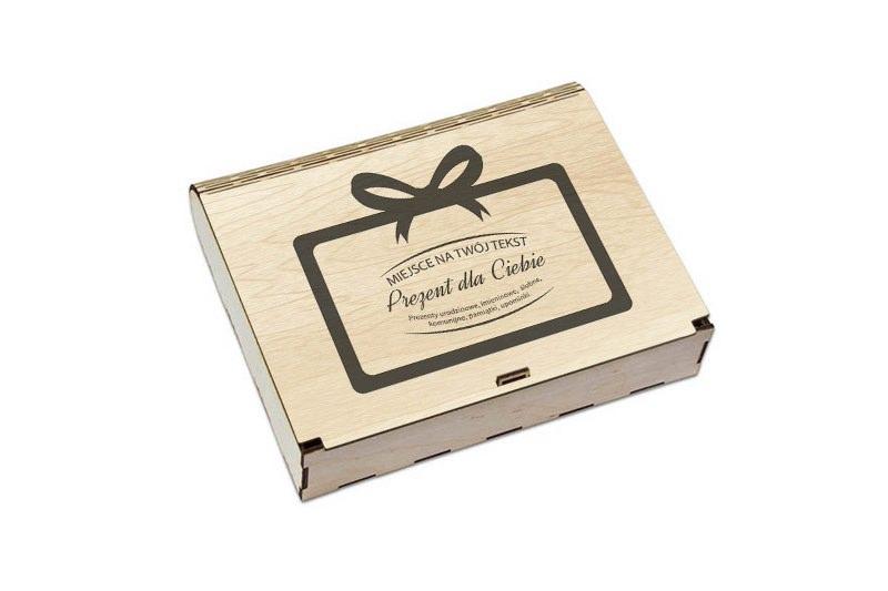 Pudełko jasne drewno na prezent