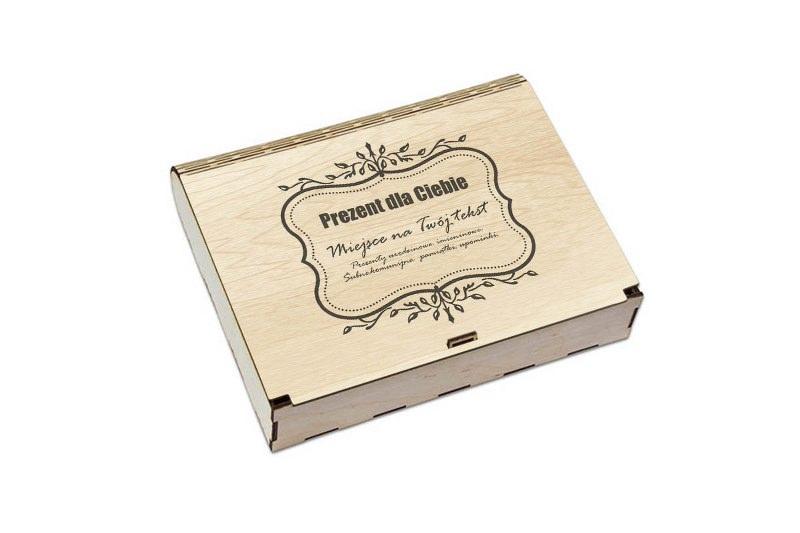 Drewniane światłe pudełko