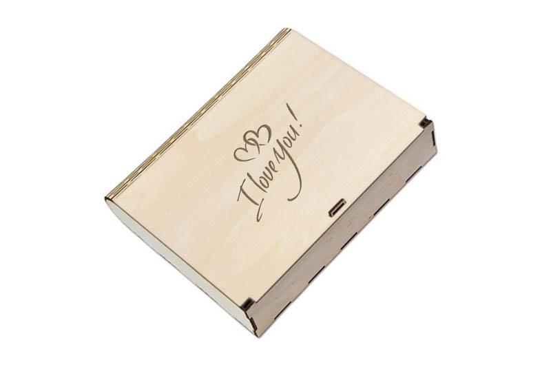 Grawerowane walentynkowe pudełko prezentowe